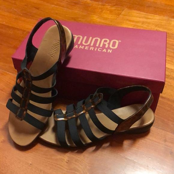 Munro Darian Tortoise Shell Stretch Sandal